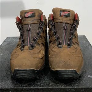 Red wing shoes waterproof